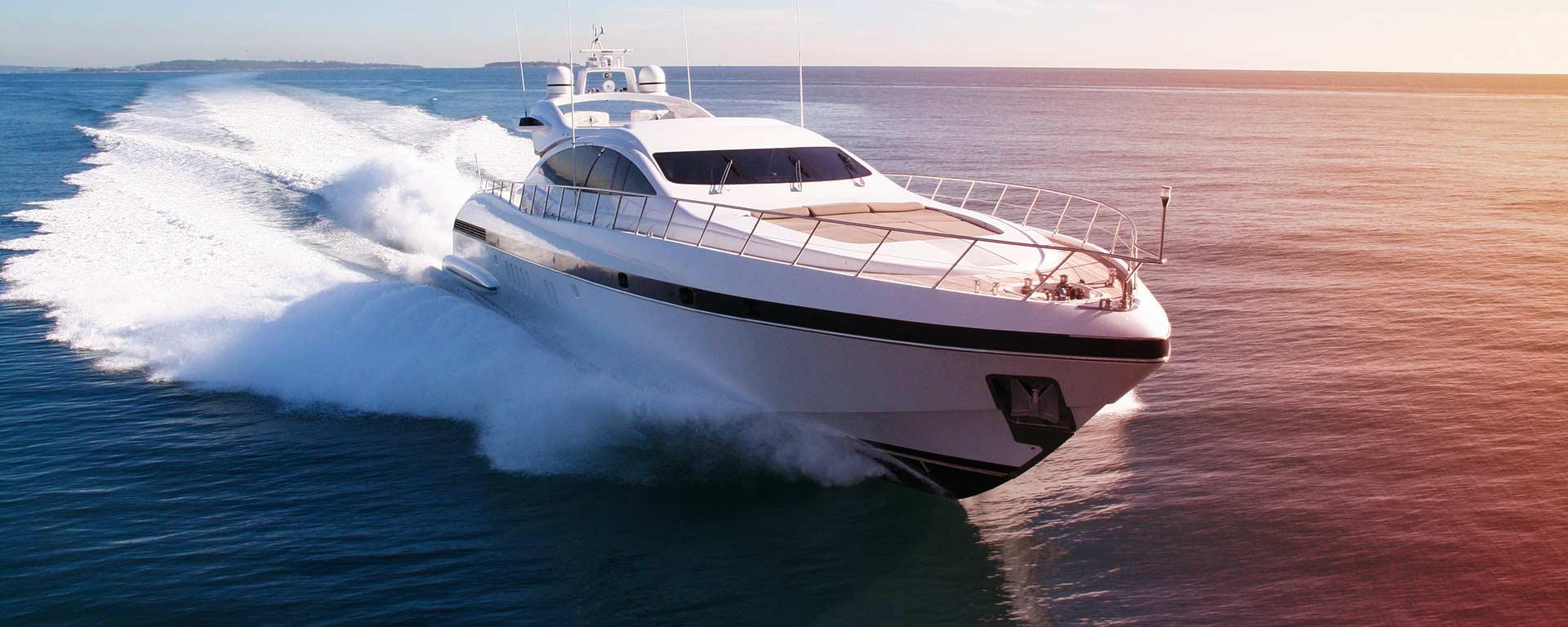spécialistes en vente de moteurs de bateaux et réparation de moteurs de bateaux au Grau-du-Roi
